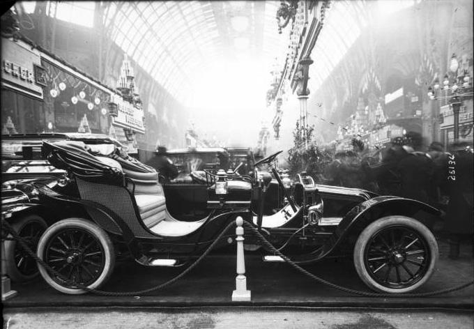 StanrenalSalonautomovil_1912