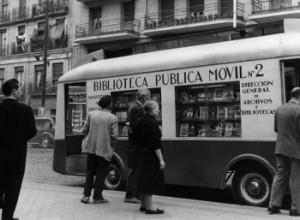 Primeros bibliobús en Madrid
