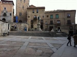Plaza_de_Medina_del_Campo_(Segovia)