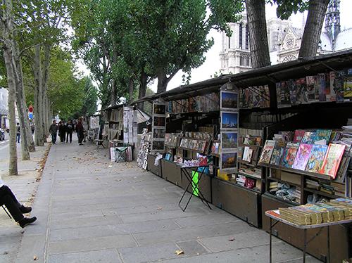 Libreros al borde del Sena. París